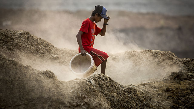 Myanmar Emerges: Dreams to Dust